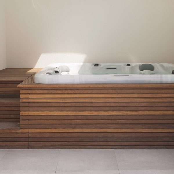 Sauna & jacuzzi - VDP Landscaping & Pools